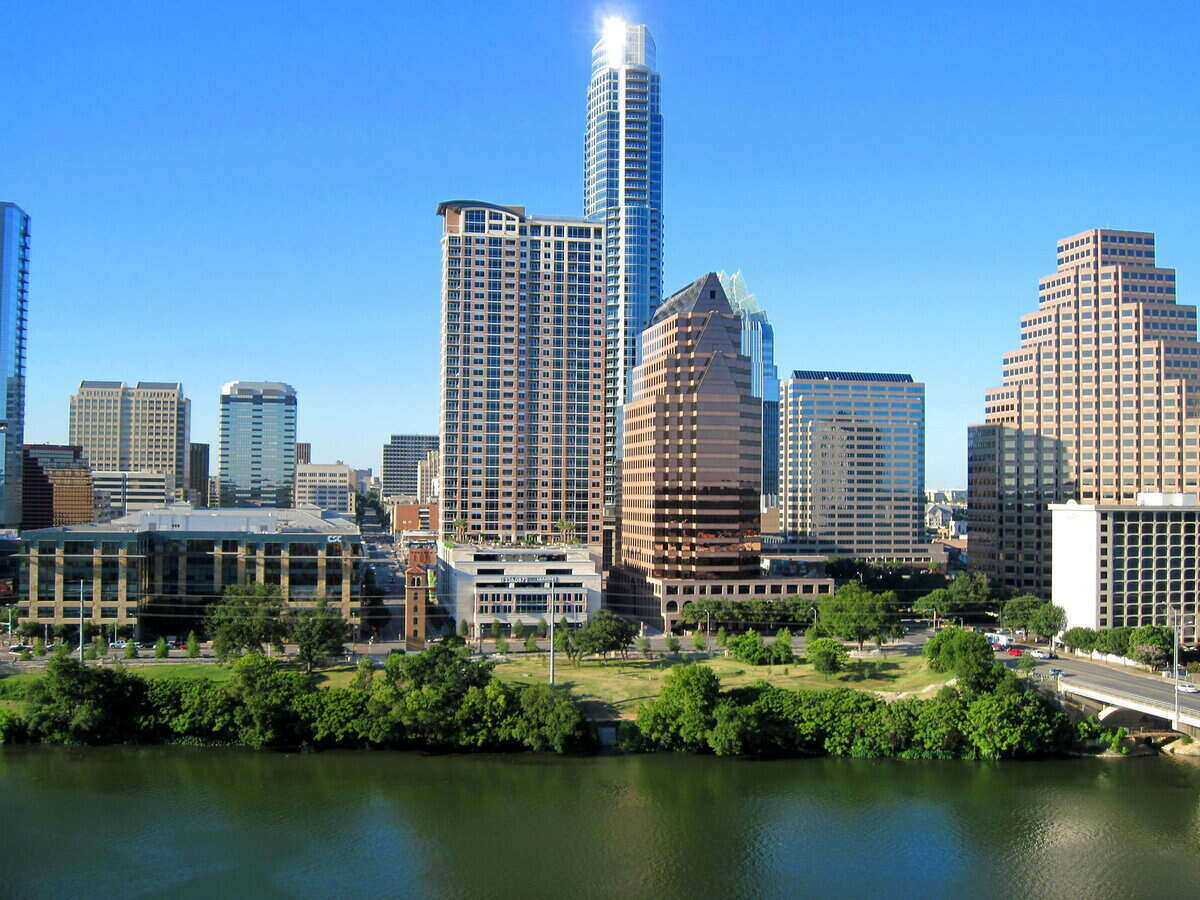 Waterfront and skyline of Austin, Texas